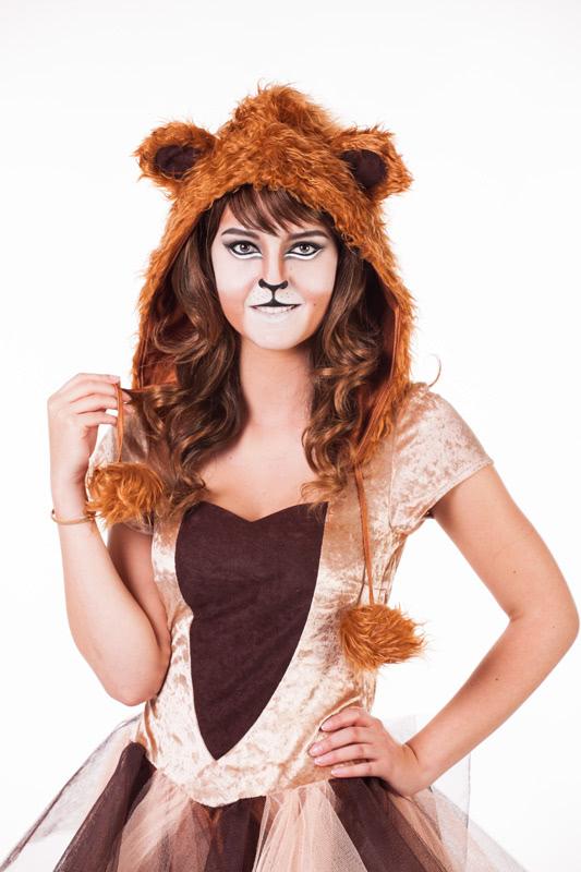 Löwe schminken - fertiges Outfit